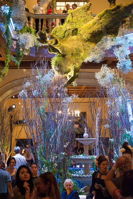 bella-meyer-angel-rotunda-sd-museum-of-art-alive-2013-opening-celebration-RMB_0224-ryanbenoitphoto-for-thehorticult