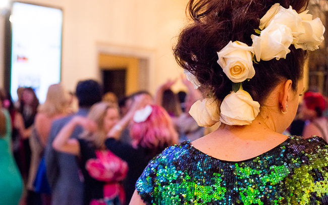 floral-headpiece-sd-museum-of-art-alive-2013-opening-celebration-RMB_0419-ryanbenoitphoto-for-thehorticult