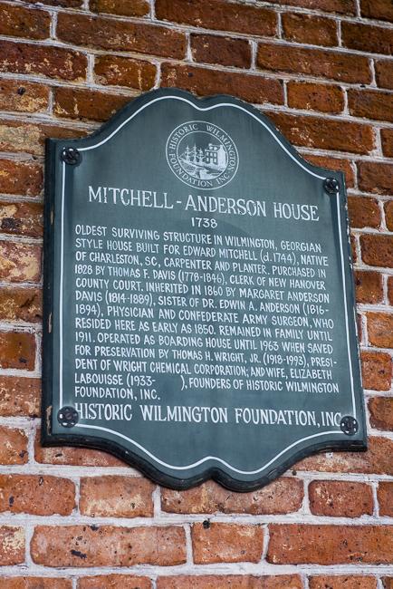 Downtown-Wilmington-NC-Historic-Garden-Walking-ryanbenoitphoto-thehorticult-RMB_3932