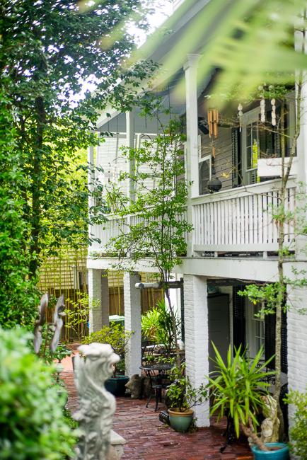 Downtown-Wilmington-NC-Historic-Garden-Walking-ryanbenoitphoto-thehorticult-RMB_3973