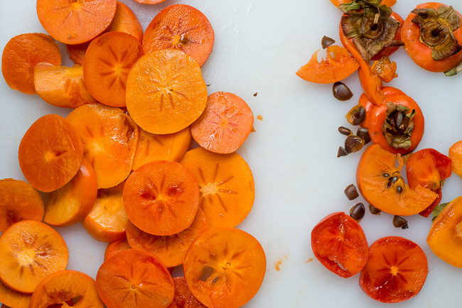 Dehydrate-persimmons-ryanbenoitphoto-thehorticult-RMB_3345