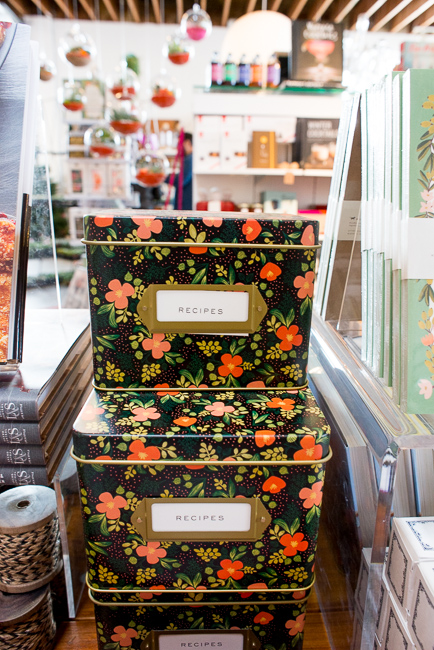 Rifle Paper Co. Midnight Garden Tin Recipe Box - $34http://www.shoppigment.com/rifle-paper-co-midnight-garden-tin-recipe-box/