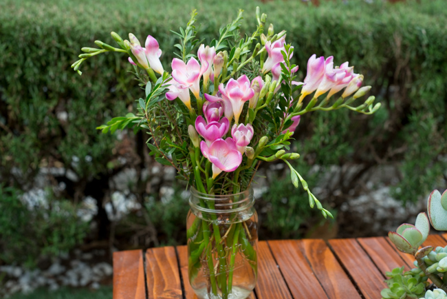 tussie-mussie-queen-freesia-rosemary-melaleuca-RMB_6763