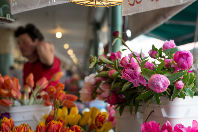 Pike-Place-Market-Flowers-Mothers-Day-ryanbenoitphoto-thehorticult-RMB_1420