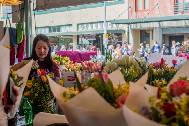 Pike-Place-Market-Flowers-Mothers-Day-ryanbenoitphoto-thehorticult-RMB_1436