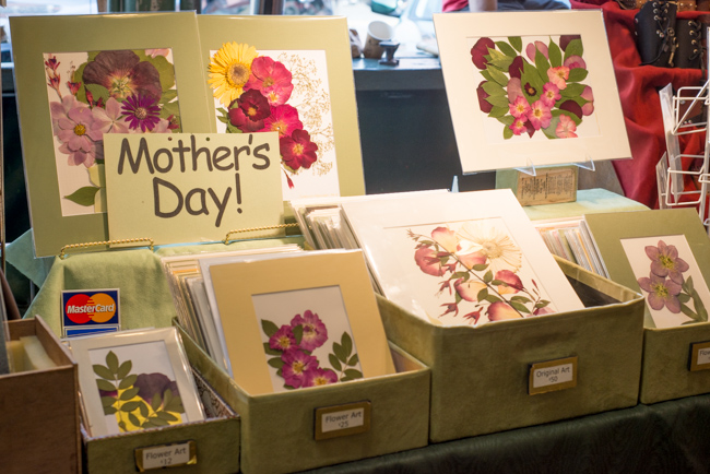 Pike-Place-Market-Flowers-Mothers-Day-ryanbenoitphoto-thehorticult-RMB_1437