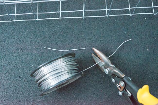 """28"""" x 104"""" Single Paper Wire Lath"""
