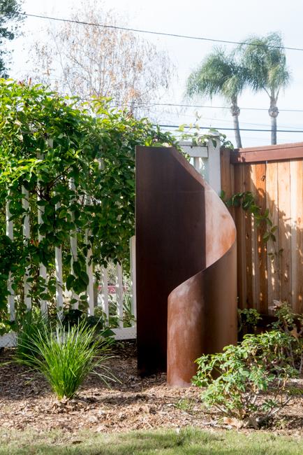 'Taffy' by Terra Sculpture