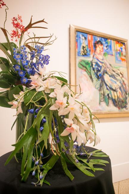 "Beverley Ireland, AIFD of Jasmine Creek Florist - Floral interpretation of ""Woman Seated"" by Hans Hofmann"